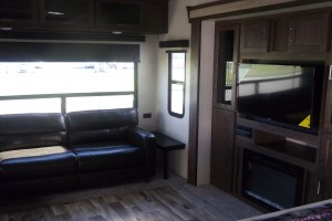 New 2019 Forest River Salem 337 BAR Fifth Wheels