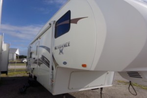 Used 2011 Heartland SUNDANCE XLT 287RL Fifth Wheels