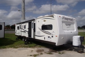 Used 2014 FLAGSTAFF SUPER LITE 831KBS Travel Trailers
