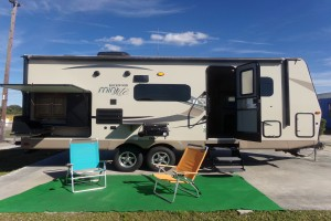 Used 2018 Forest River ROCKWOOD MINI LITE 2507S Travel Trailers